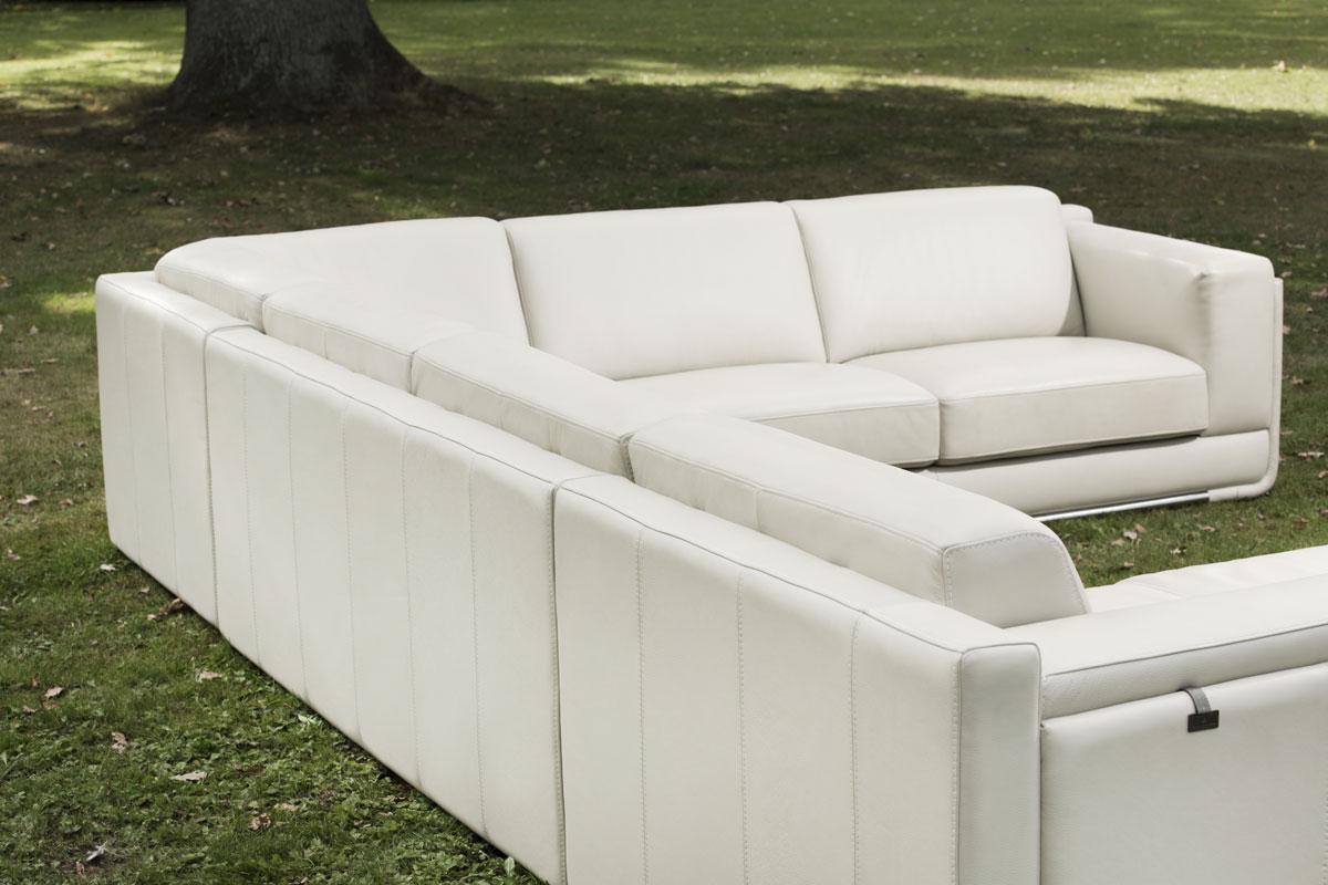 Når du vælger en u-formet sofa blandt vores sortiment, kan du måske få præcis den sofa, som du drømmer om.