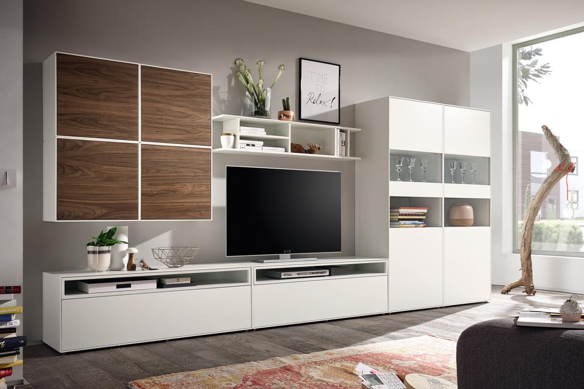 Hülsta er kendt for en stilren tilgang til det moderne design med møbler, der ikke lige sådan går af mode. Du kan kontakte BoShop for at købe møbler fra dette mærke. Billedet viser nogle møbler fra Now! easy møbelserien fra Hülsta, som tidligere har været forhandlet hos BoShop.