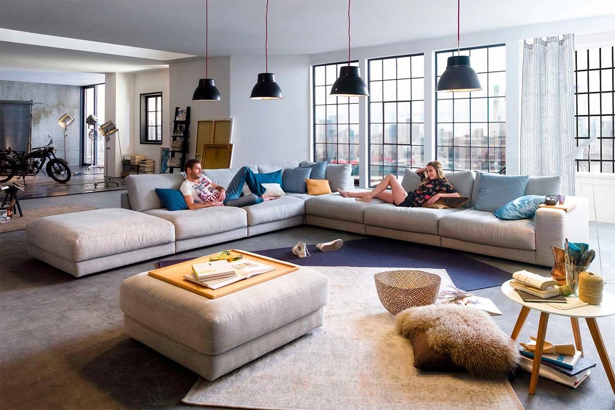 rigtig flyder sofa med masser af plads boshop. Black Bedroom Furniture Sets. Home Design Ideas