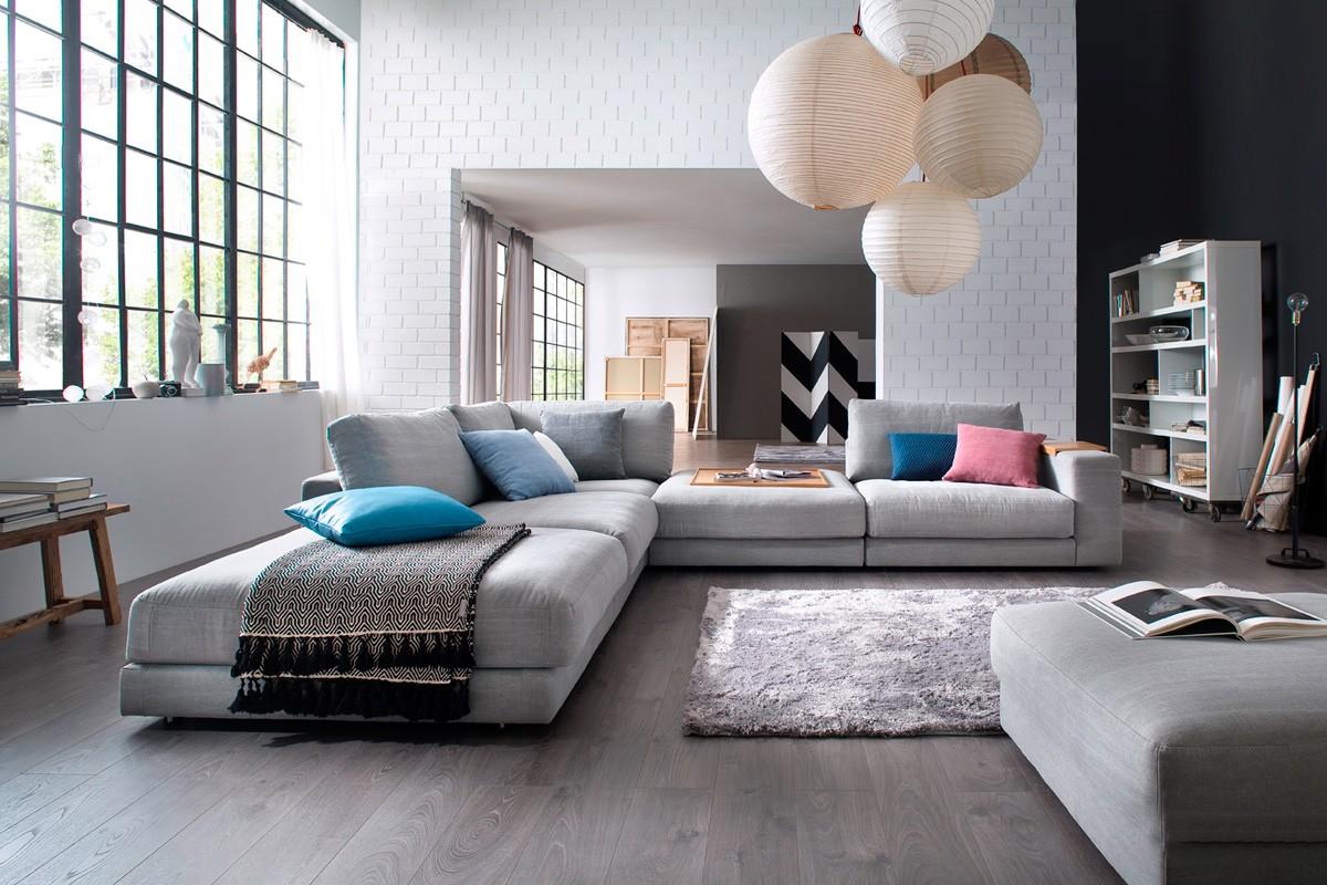 Giant L stofsofaen er et oplagt valg, hvis man ønsker sig en fed flyder sofa derhjemme.