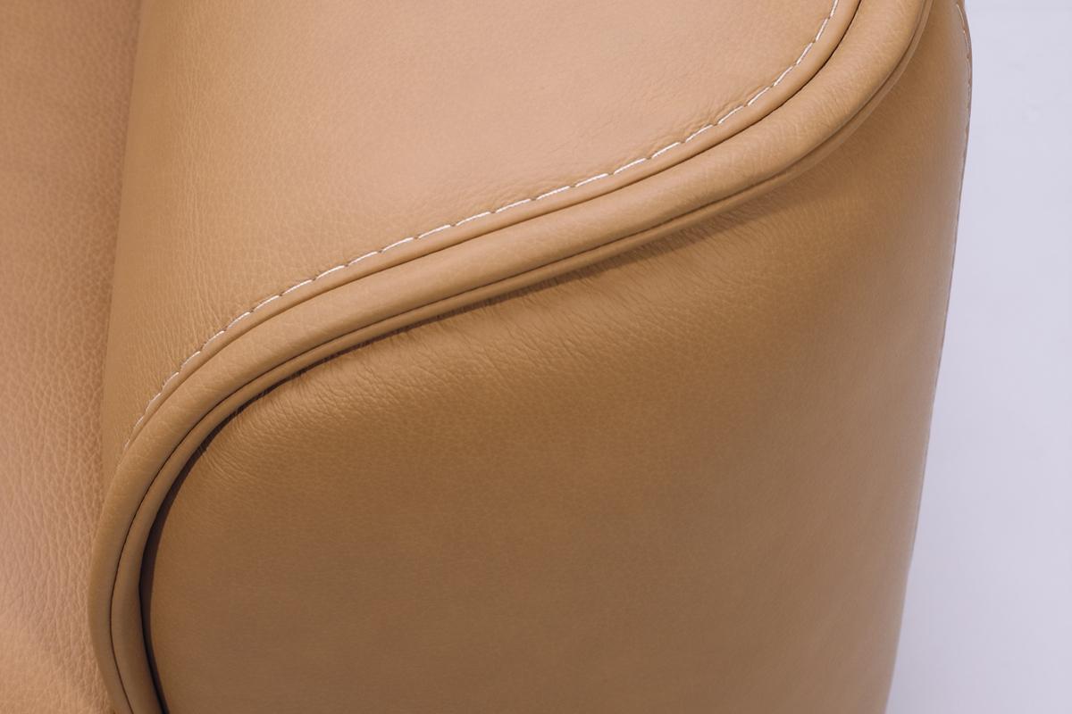Det er detaljerne og den høje kvalitet på Kelvin Giormani lædersofaerne, der gør dem så attraktive som lædersofaer.