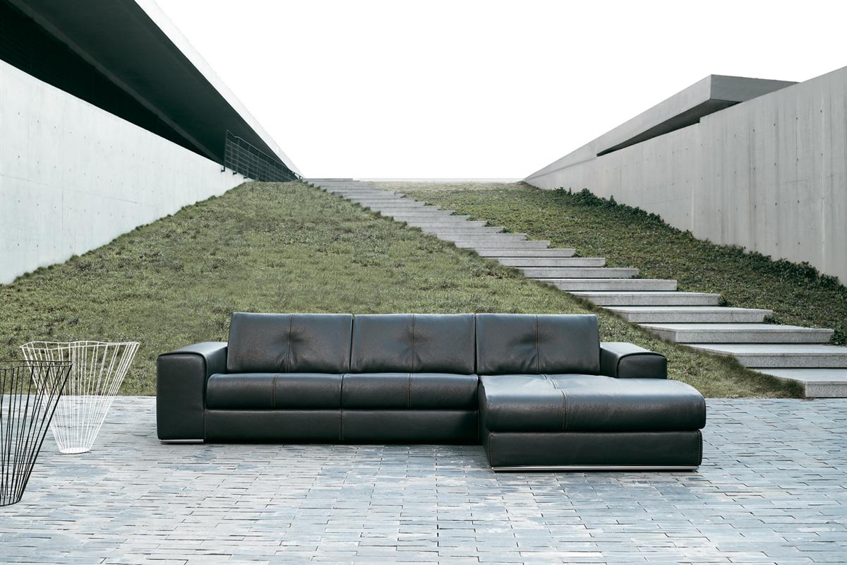 Leder du efter designsofa til dit hjem så er et besøg på BoShop.dk klart et besøg værd.
