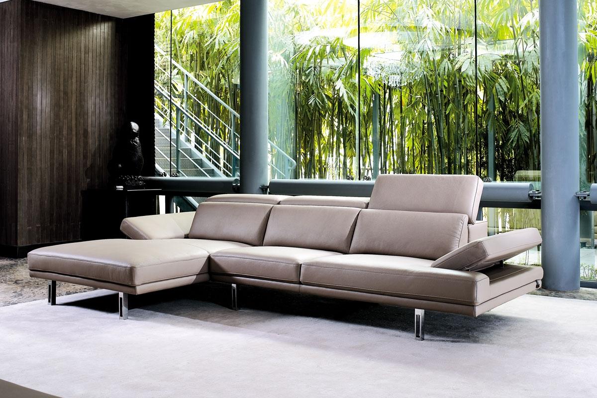Når du skal placere din sofa i hjemmet er der flere faktorer, der har betydning såsom flow i rummet og lyset.