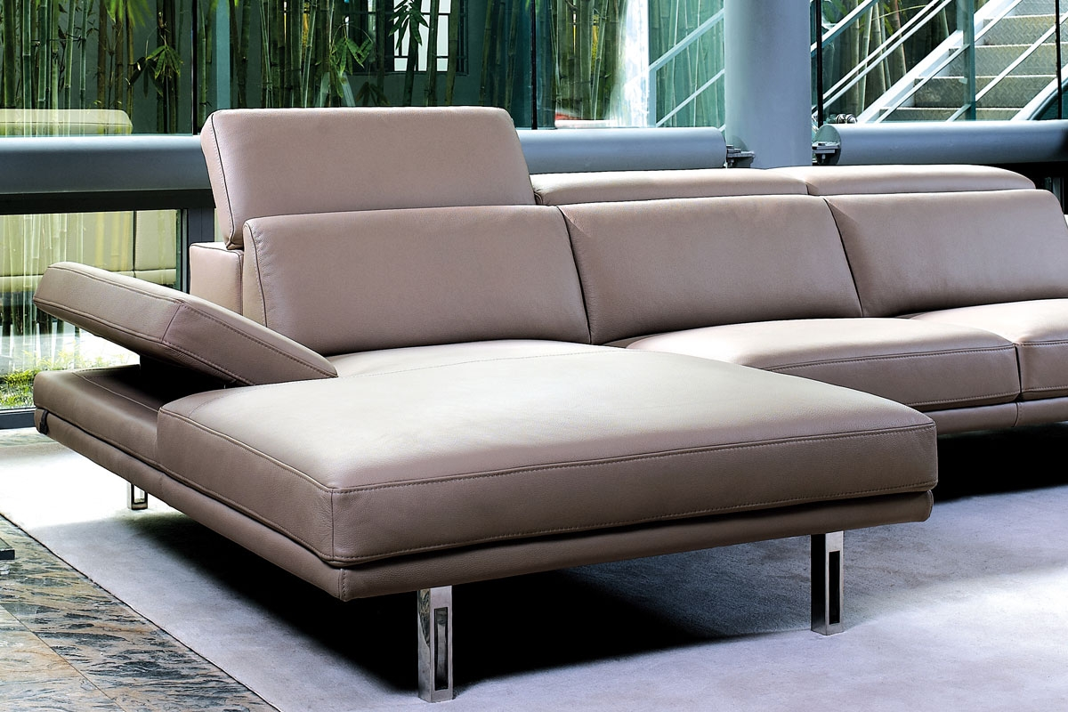 Det er sofaerne fra Kelvin Giormani, som du kan få helt efter dine egne mål. Her kan du selv være med til at bestemme sofaens mål helt ned til hver eneste centimeter på sofaen. Hos BoShop er vi også fleksible med mange af vores andre sofaer, der kan vælges i udvalgte opstillinger, eller ved at du selv kan sammensætte sofamodulerne.