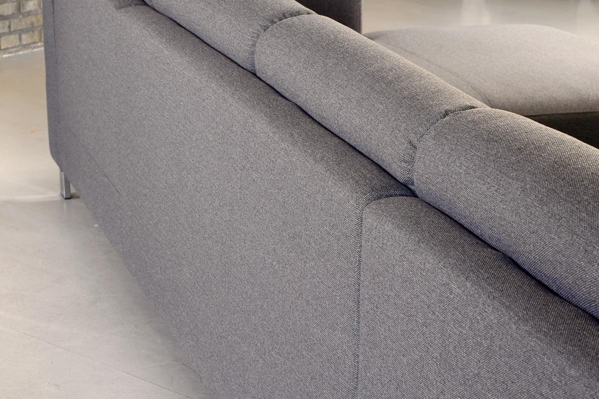 Sofaen kan fås i mange farver udover den grå farve.