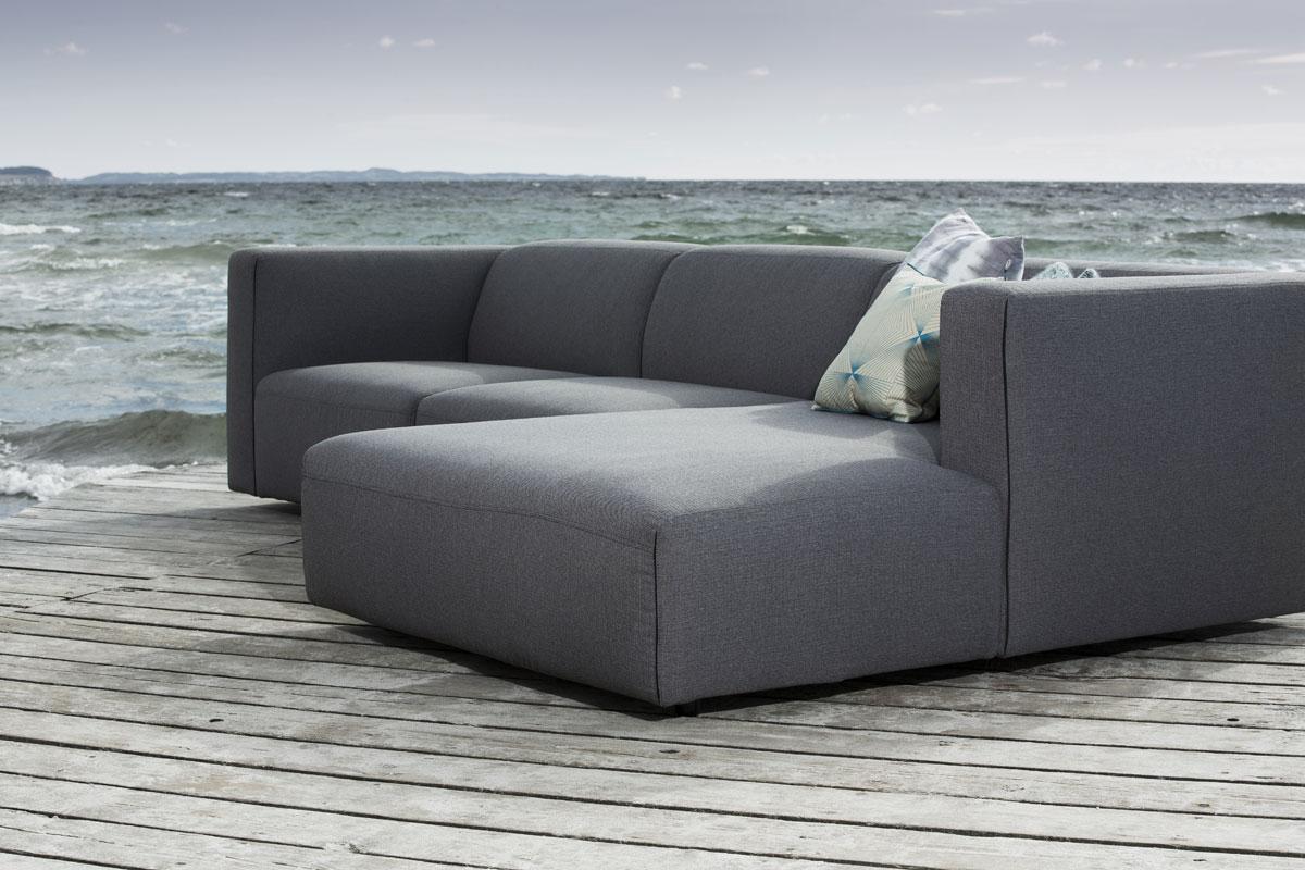 En børnevenlig sofa til familien.