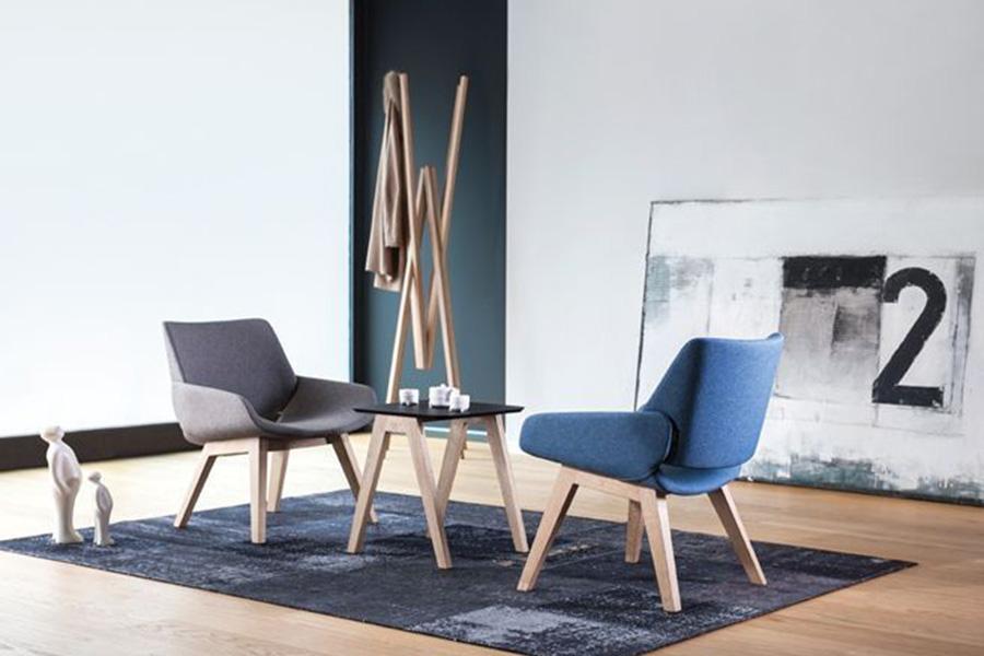 Opnå at indrette dig med skandinavisk inspireret møbeldesign med Monk wood lænestolen fra Prostoria, der har den skandinaviske ånd over sig i dens design.