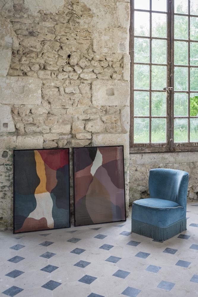 Det er oftest de kunstneriske og dekorative ting, der sætter prikken over i'et i indretningen af boligen, som her med kunst fra Ethnicraft.
