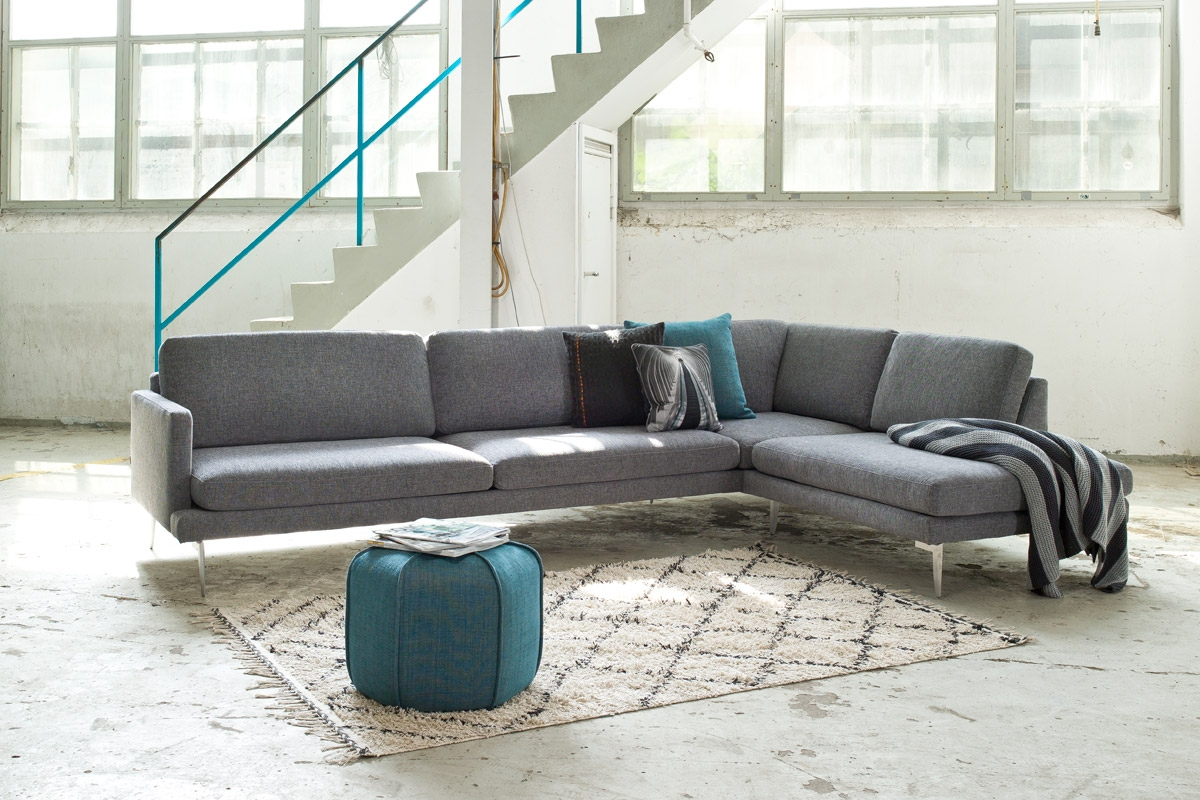 Sofa på lagersalg med den grå Ludvig stofsofa fra Sits.