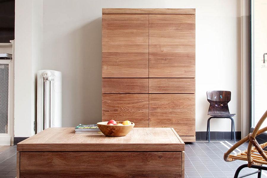 Skabe er et almindeligt møbel i de fleste hjem og her på hjemmesiden kan du blandt andet vælge dit nye skab fra Ethnicraft, der i en årrække har beskæftiget sig med at lave træmøbler i en rigtig god kvalitet.