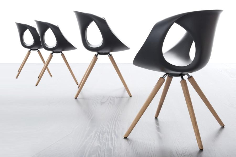 Du har blandt andet tidligere kunne købe disse flotte spisebordsstole som Black Friday tilbud hos BoShop.