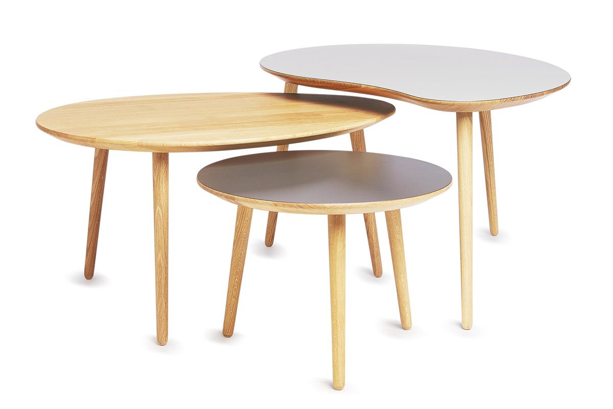 En sofabords-løsning kan også være at sætte flere sofaborde sammen ved siden af hinanden.