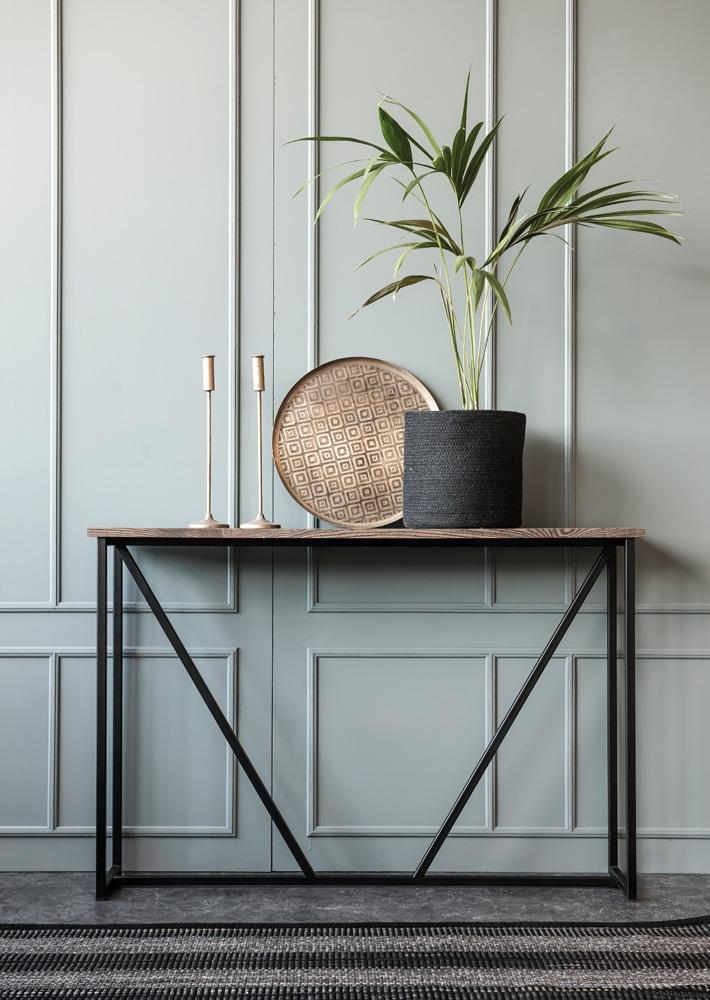 De flotte entrémøbler fra Wood by Kristensen blandt sortimentet hos BoShop.