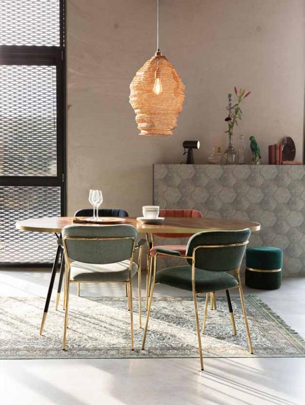 Den flotte Jolien spisebordsstol med armlæn fra Decoholic er en af møbelnyhederne hos BoShop.