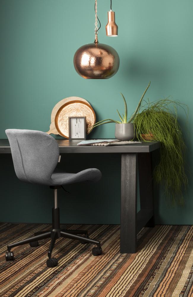 OMG kontorstolen er en kontorstol i flot design fra Zuiver, som du kan købe her hos BoShop.