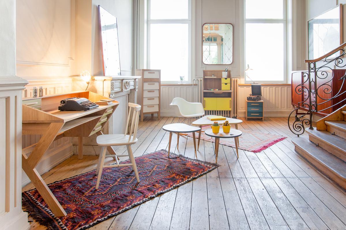 Ethnicrafts Mr. Marius-møbelserie ses på dette billede.